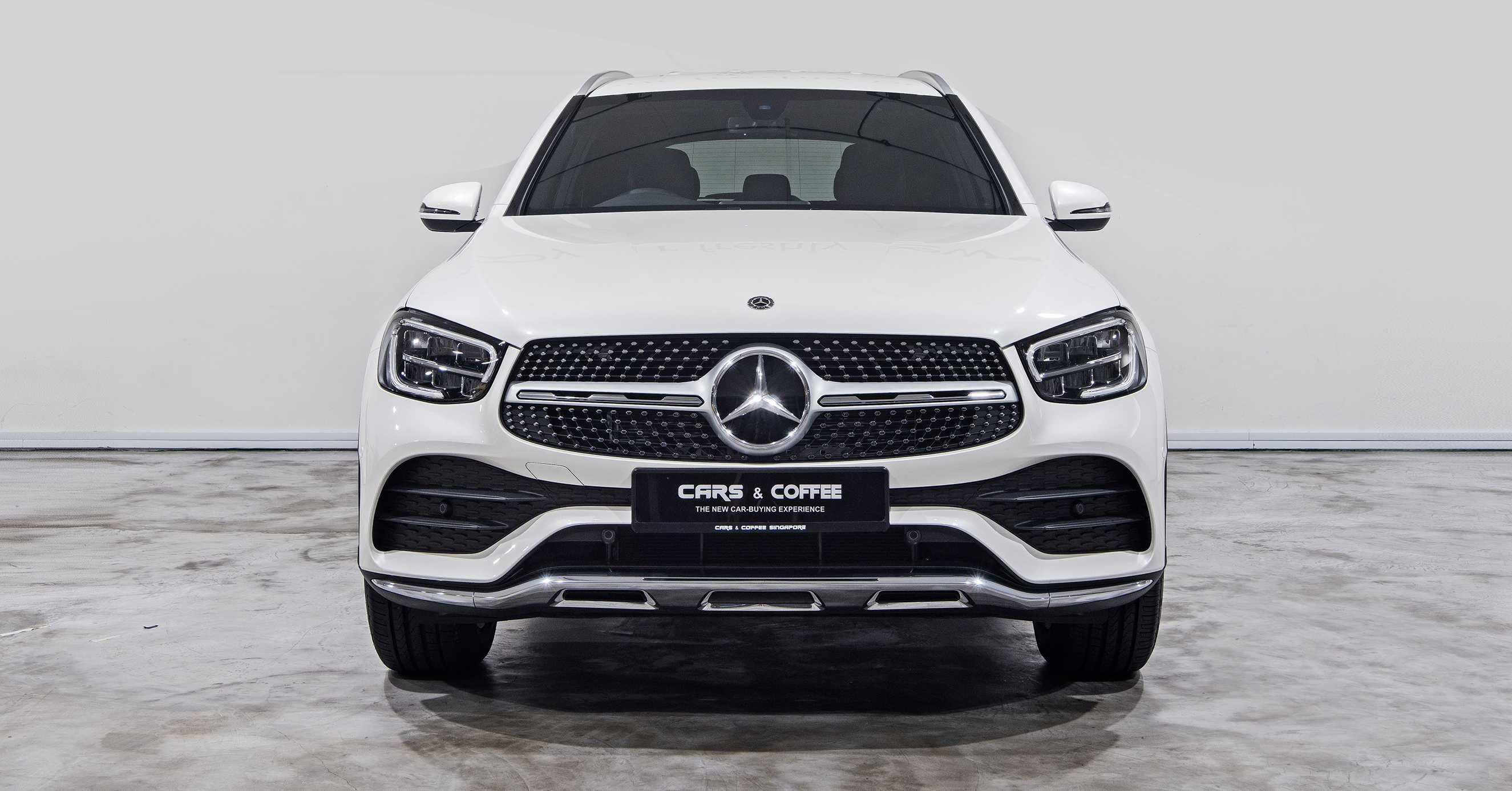 Benchmarks can't be benched. So the standard-setting GLC SUV enters 2020 with sleeker style and smarter tech. All-LED lighting helps you see and be seen. Fresh details, clean lines and sporty proportions make sure you look great, too.