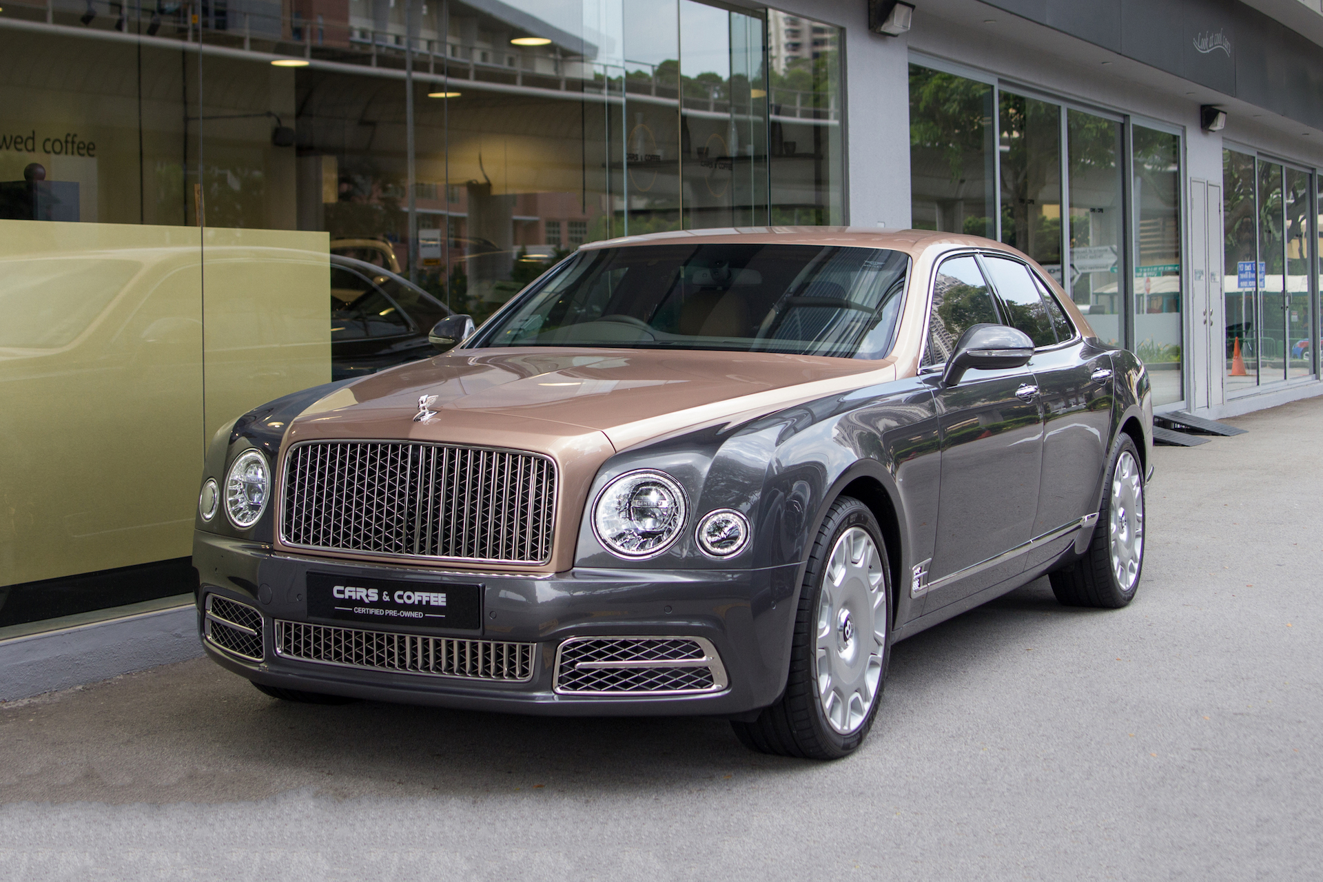 Certified Pre-Owned Bentley Mulsanne 6.75A | Cars and Coffee Singapore
