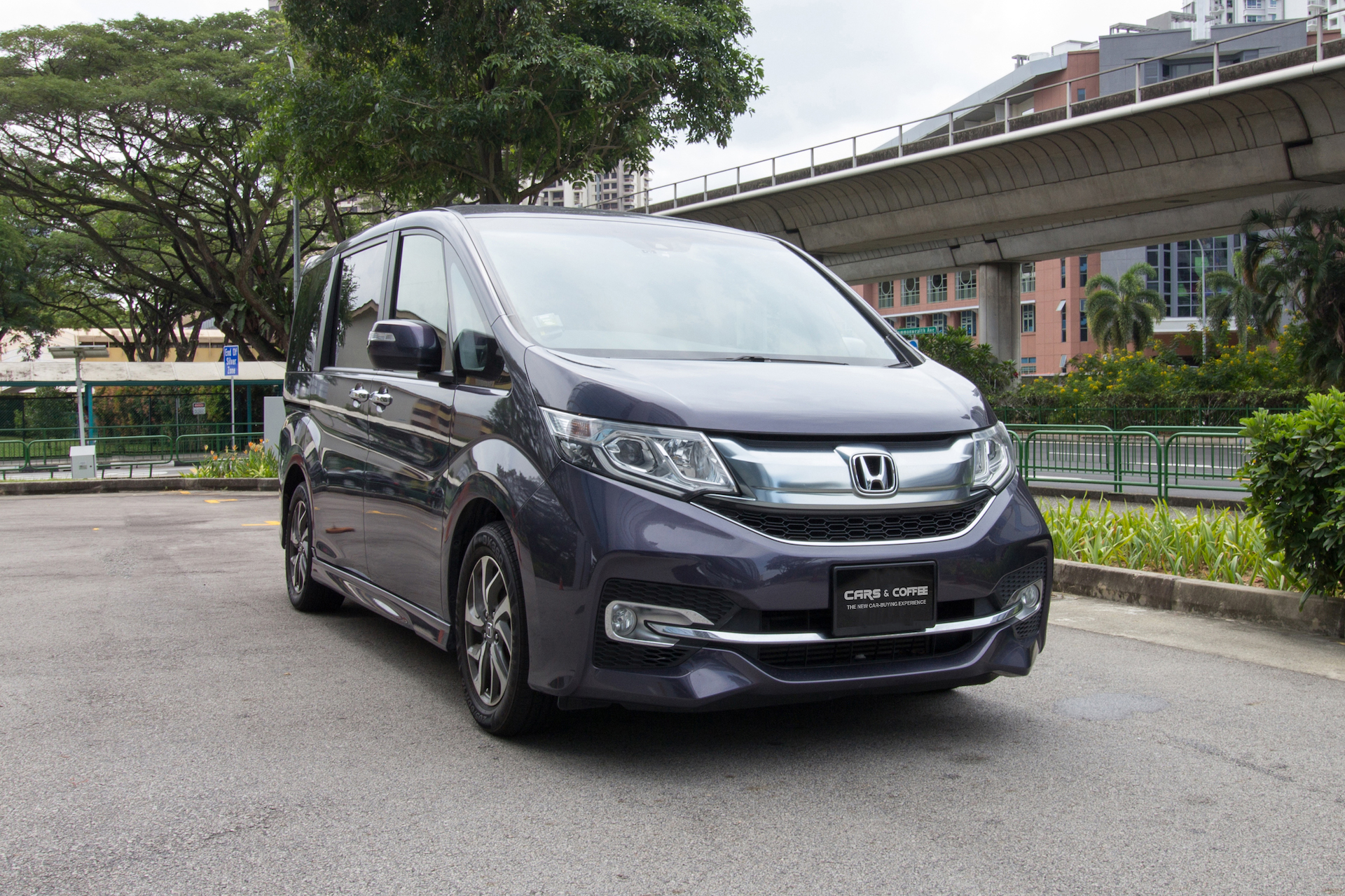 Certified Pre-Owned Honda Stepwagon 1.5A Spada | Cars and Coffee Singapore