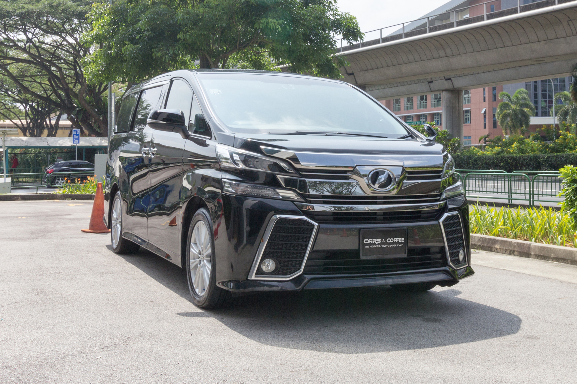 Certified Pre-Owned Toyota Vellfire 2.5A Z | Cars and Coffee Singapore