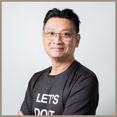 https://cdn.carsandcoffee.com.sg/web/static/about-us/ourteam/Sonny%20Lee.jpg